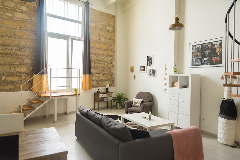 Apartment with 1 Bedroom, Eclectic and with Lots of Character