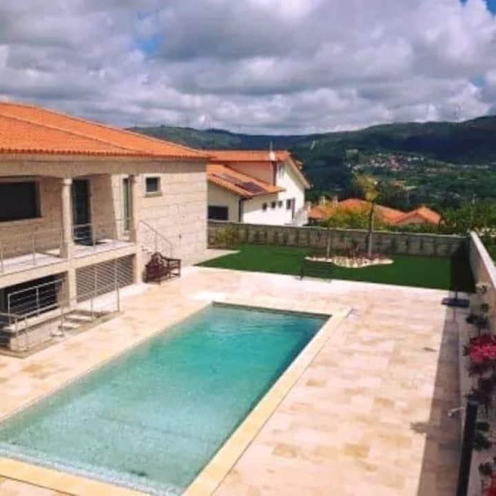 Casa com piscina privada com tratamento a sal