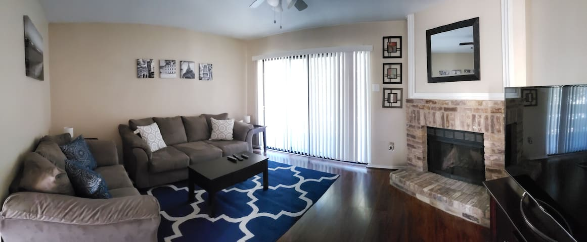Fully furnished condo in North Dallas - 2BR, 2Bath