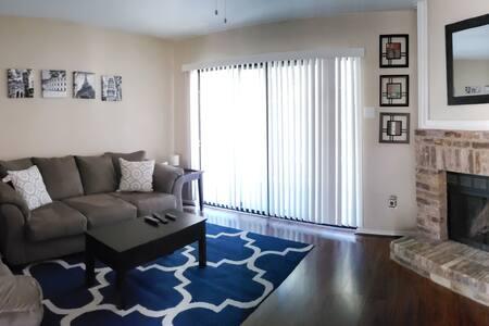 Fully furnished condo in North Dallas - 2BR, 2Bath