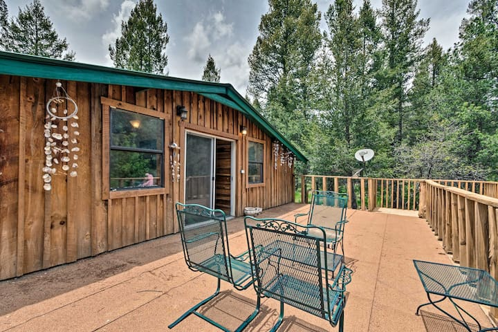 NEW! Rustic Cloudcroft Cabin, Walk to Ntl. Forest!