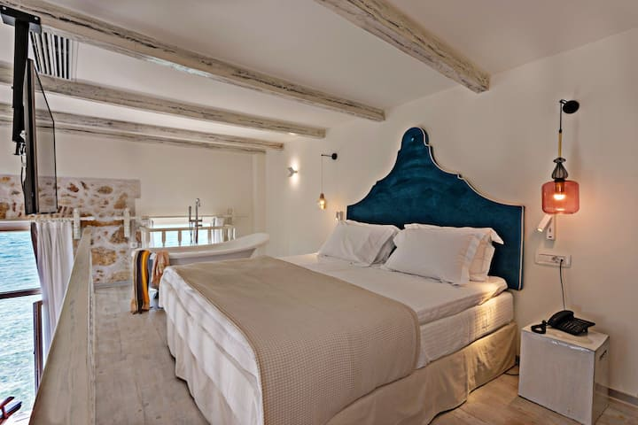 Thalassa - Suite with Sea View - Split Level