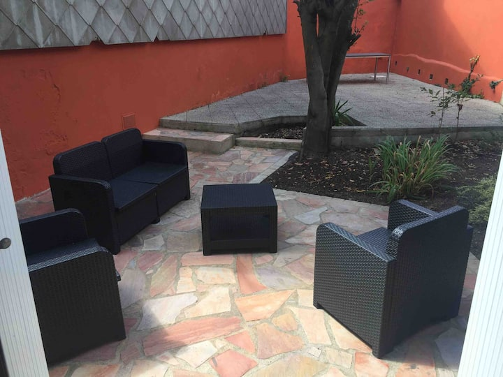 Grd T2 de charme jardin/terrasse privée prox ctre
