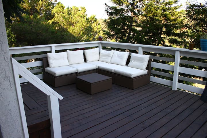 Private Hillside Aerie with Deck and Views!