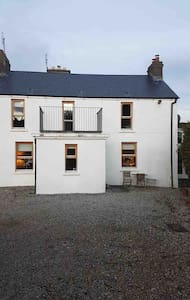 Spacious 3 double beds (2 bedroom) at Portnablagh