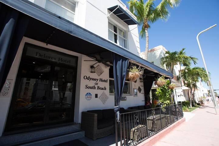 Miami Beach Apart Hotel in Collins Avenue Unit #11