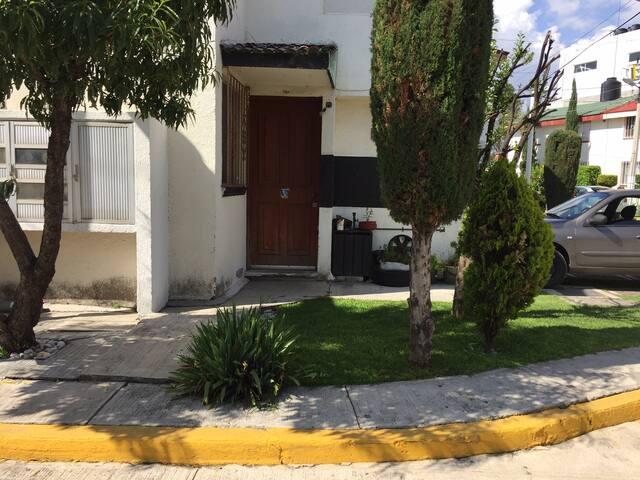 Habitacion en Zona de Ciudad Universitaria (C.U) - Heroica Puebla de Zaragoza - House