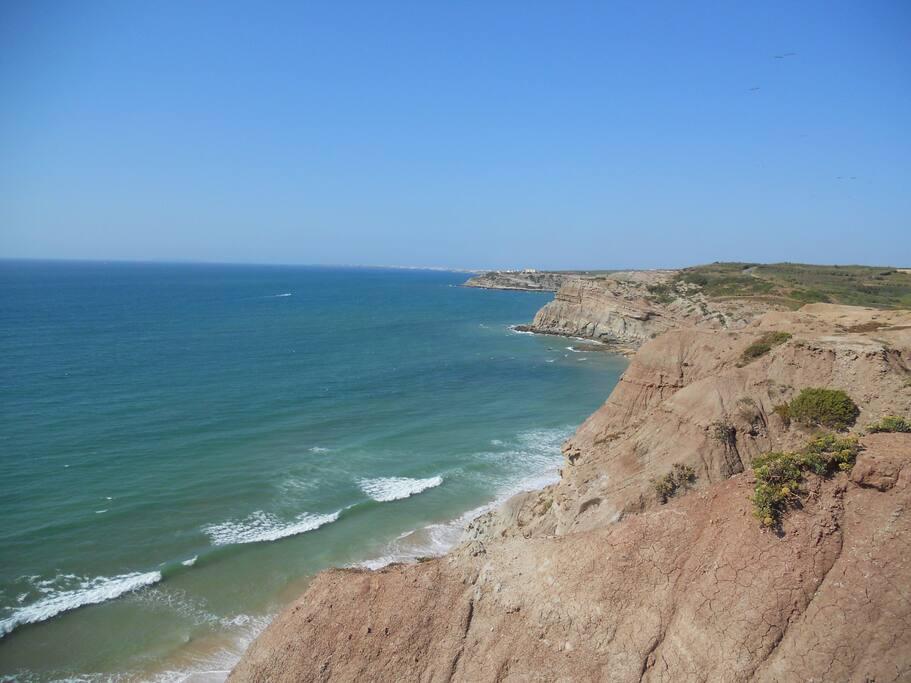 Areia Branca Beach (10 minutes walking)