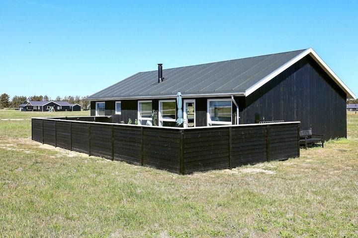 Maison de vacances moderne à Løkken avec sauna