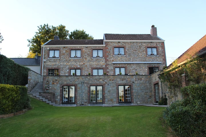 Luxury villa with an incredible private pool, close to Maastricht and Liège!