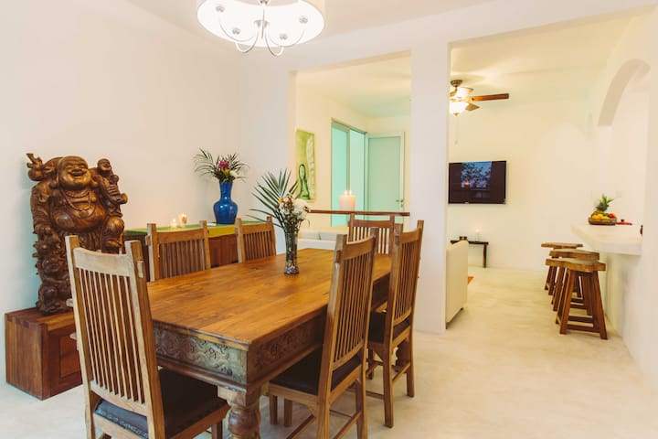 Charming condo, AC, balcony near beach and cenote#