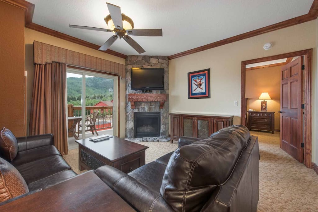 Leather couches (the larger a sleeper sofa), HDTV w/ Enhanced Cable, Free Wi-Fi