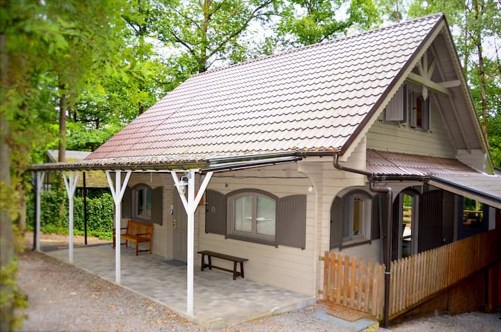 Family chalet near Durbuy (4 adults, 6 kids)