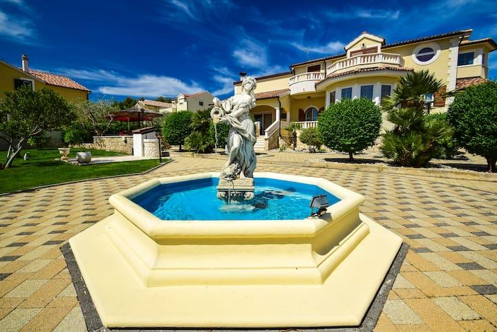 Beautiful Villa with swimming pool - Vodice - วิลล่า