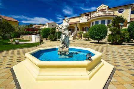 Beautiful Villa with swimming pool - Vodice - Villa