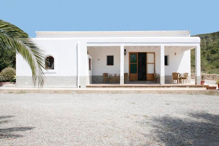 BEAUTIFUL IBICENCAN HOUSE AT KM 5