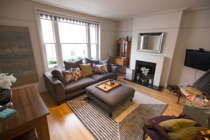 4 Bed Townhouse, Earls Court