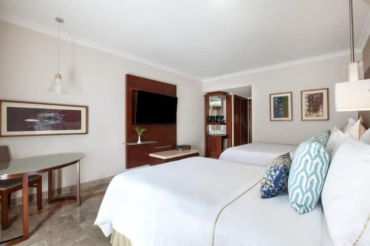 Friendly Room Deluxe Two Double Beds At Veracruz
