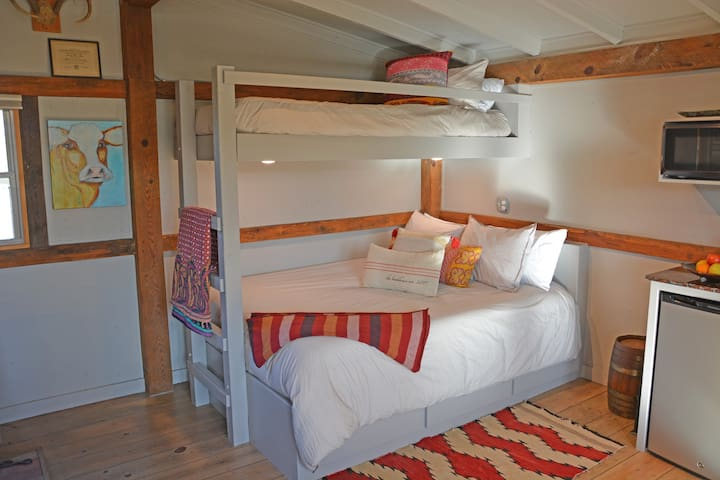 Retreat to Private Bunkhouse on Fayetteville Farm