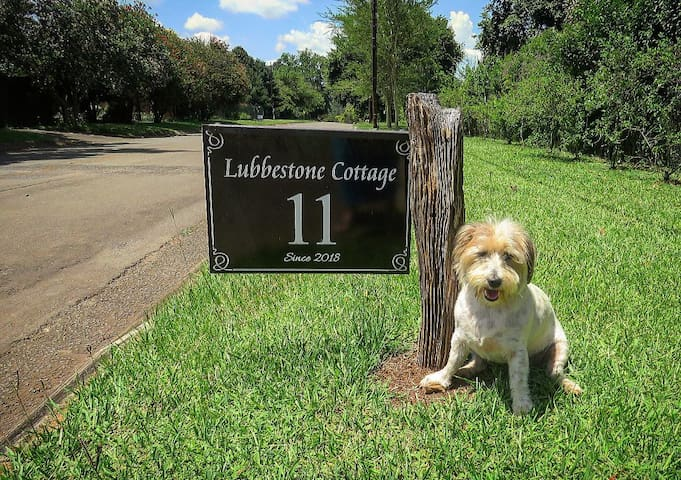 Lubbestone Cottage