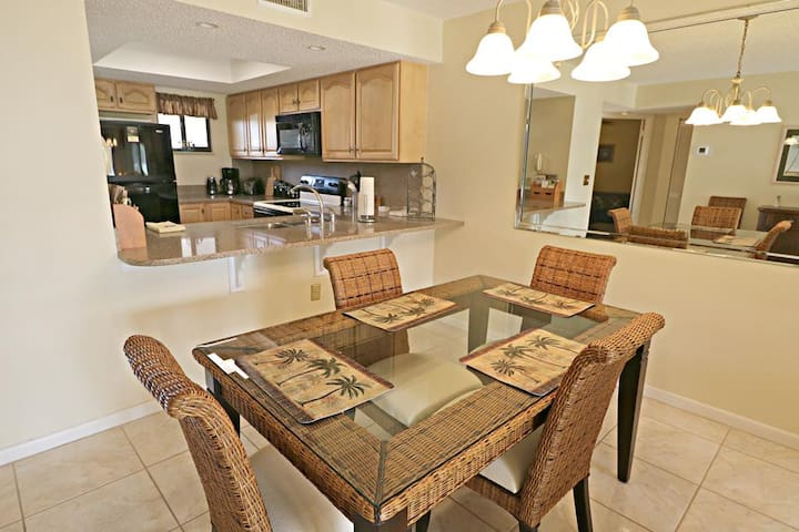 St. Augustine Beach Vacation Rentals Dining Room