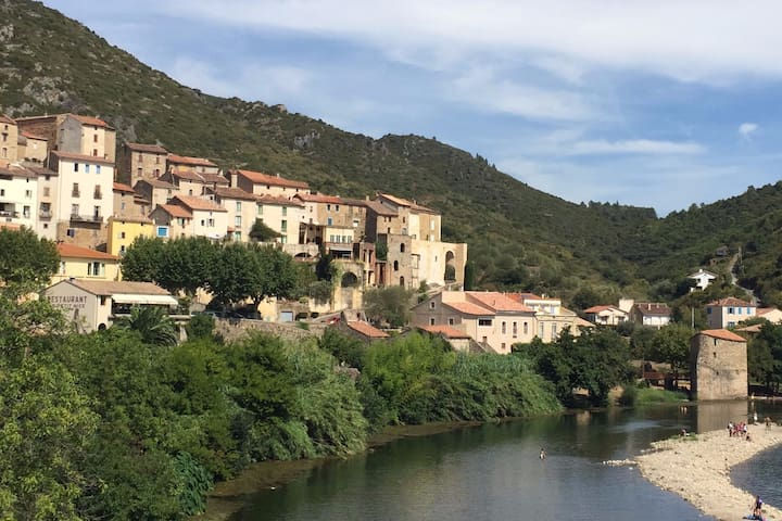 Cosy village house near the beach - Roquebrun - Huis