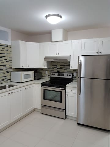 Looking for a roommate to rent a  one bedroom - Vancouver - Apartamento