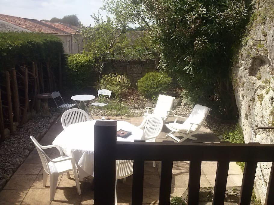 Jardin + Terrasse couverte