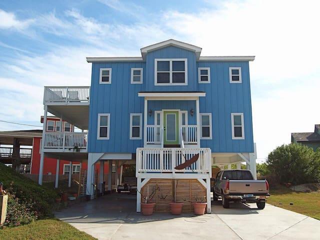 Luxury PortA Beach Home: 50 Yards to Beach w. View