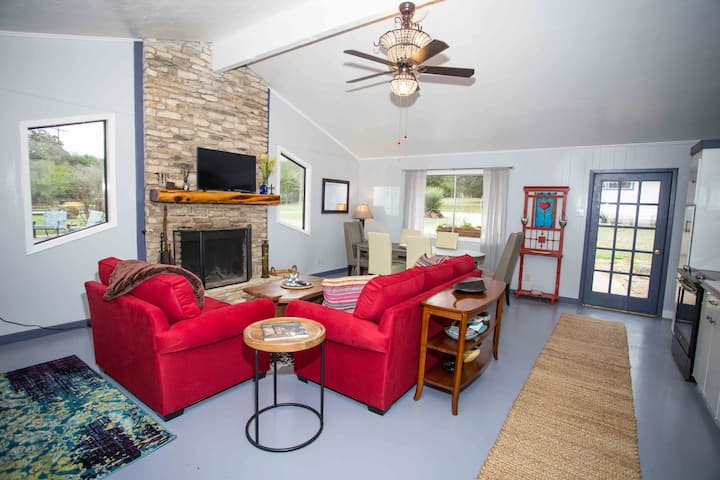 Brookes' Creek Cottages, 3 Bedroom House