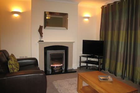 Honeybee Cottage 15P - Huntworth   Bridgwater - House