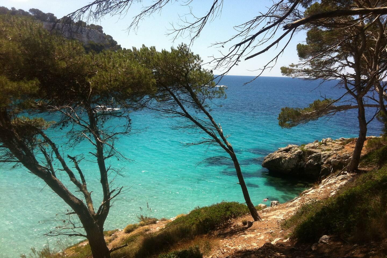 Cerca de las playas blancas del sur de Menorca