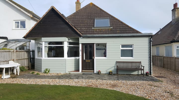 Selsey Annexe with sea views