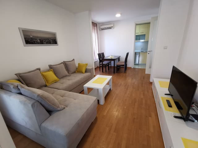 CARUSO 46sqm apartment with parking lot-Belville
