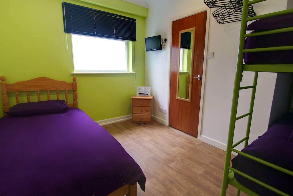 Triple Bunk, Hotel Sunnyside, Newquay