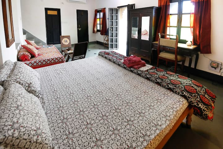 Silver Moon Haveli Studio Apartment