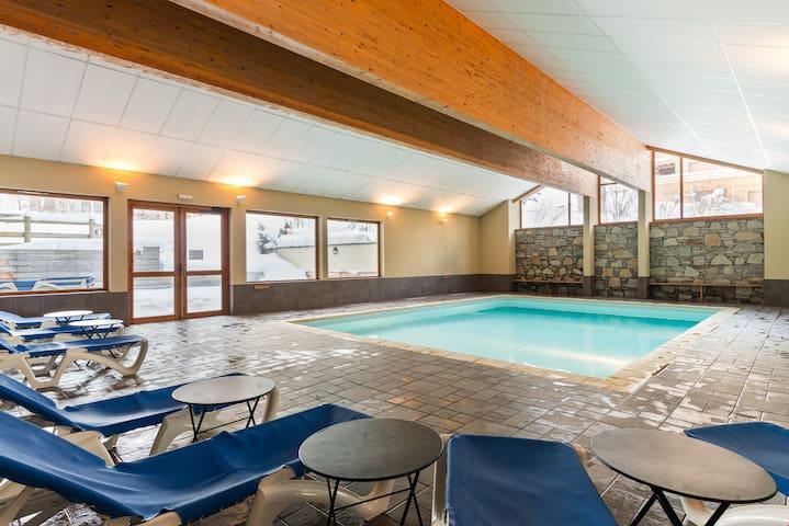 Appartement charmant au pied des pistes | Accès piscines