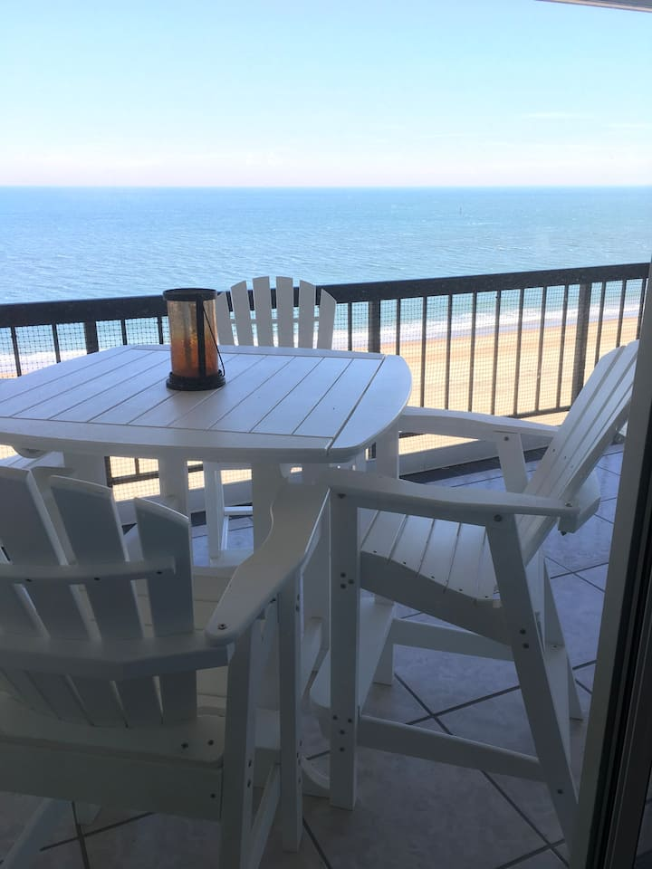 Stunning upscale oceanfront-Best vacation ever!