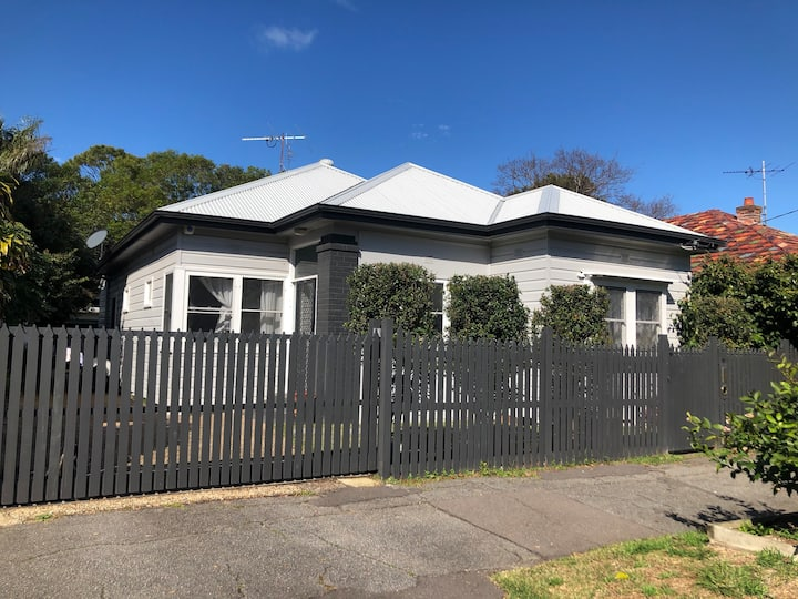 Great city house in Cooks Hill