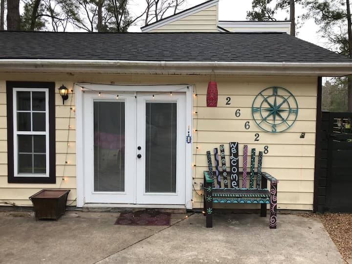 Golf Course Community & Access to Lake Livingston!