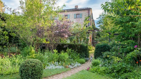 Chianti Apartment in 12th Century Tuscan farmhouse