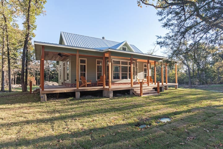 Modern Victorian Cabin in the Woods