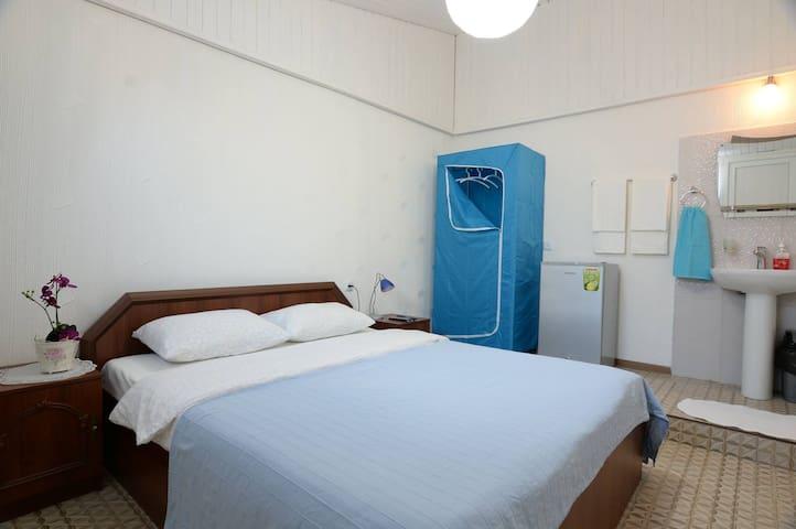 Double rooms on Bazaleti Lake Beach