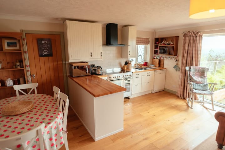 Gower, Dog friendly, with Hot Tub! - Swansea