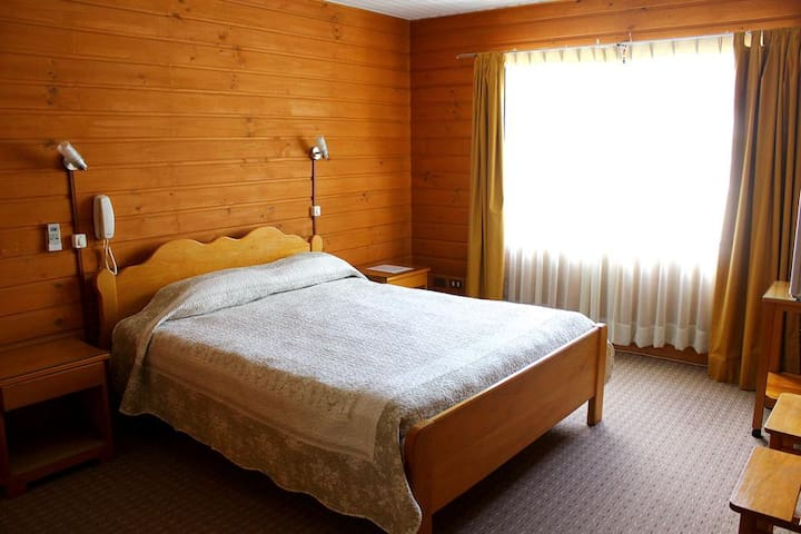 Habitación con baño privado, hotel centro de Pucón