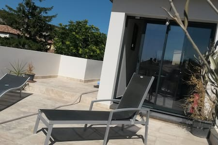 Haut de villa indépendant avec terrasse - Ensuès-la-Redonne - Villa