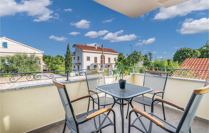 Holiday apartment with 1 bedroom on 52m² in Pinezici