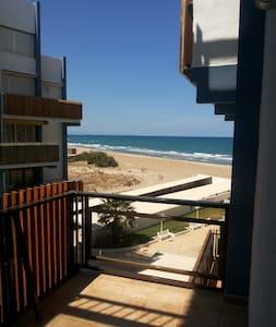 Apartamento playa El Perellonet 1ª Linea