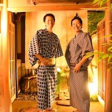 Kazuki And Yasu Hostingteam ist der Gastgeber.