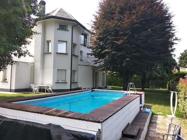beb casa di Lia con piscina x feste e grigliate